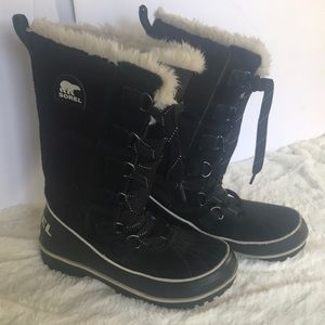 """SOREL"" Winter Ladies Black Boots ."
